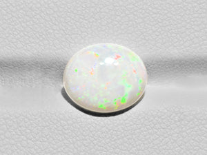 8801100-oval-white-with-green-&-orange-flashes-igi-australia-natural-white-opal-2.72-ct