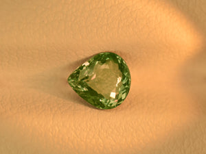 8800079-pear-lively-green-igi-russia-natural-alexandrite-0.76-ct