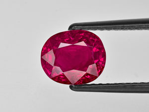 8801774-oval-rich-pinkish-red-gii-burma-natural-ruby-3.56-ct