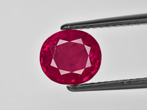 8801775-oval-velvety-pinkish-red-gii-burma-natural-ruby-3.76-ct