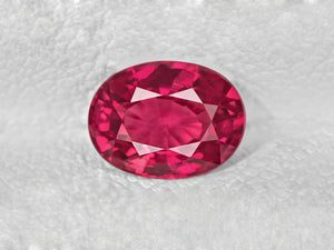 8802026-oval-lively-intense-pinkish-red-igi-mozambique-natural-ruby-1.08-ct