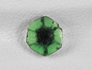 8802147-cabochon-intense-green-with-black-spokes-igi-colombia-natural-trapiche-emerald-0.61-ct