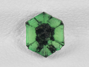 8802152-cabochon-green-with-black-spokes-igi-colombia-natural-trapiche-emerald-0.70-ct