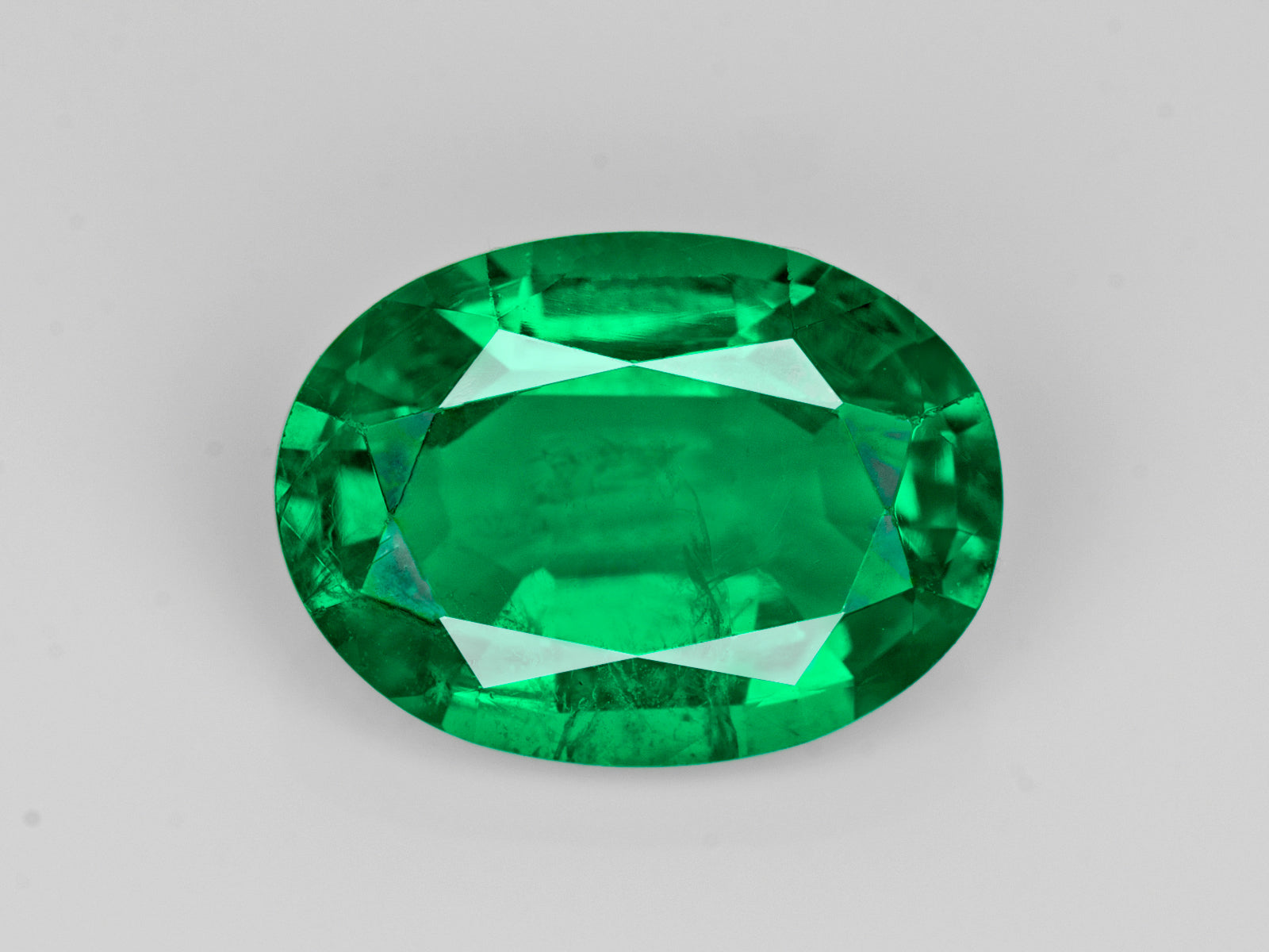 8802982-oval-lively-intense-green-gia-zambia-natural-emerald-2.57-ct