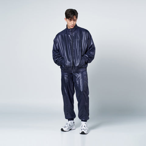アクメドラビ(acme' de la vie) GLOSSY WOVEN SET-UP PANTS NAVY