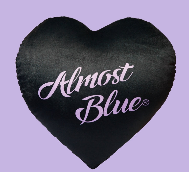 オルモストブルー(Almost Blue)ALMOSTBLUE HEART CUSHION