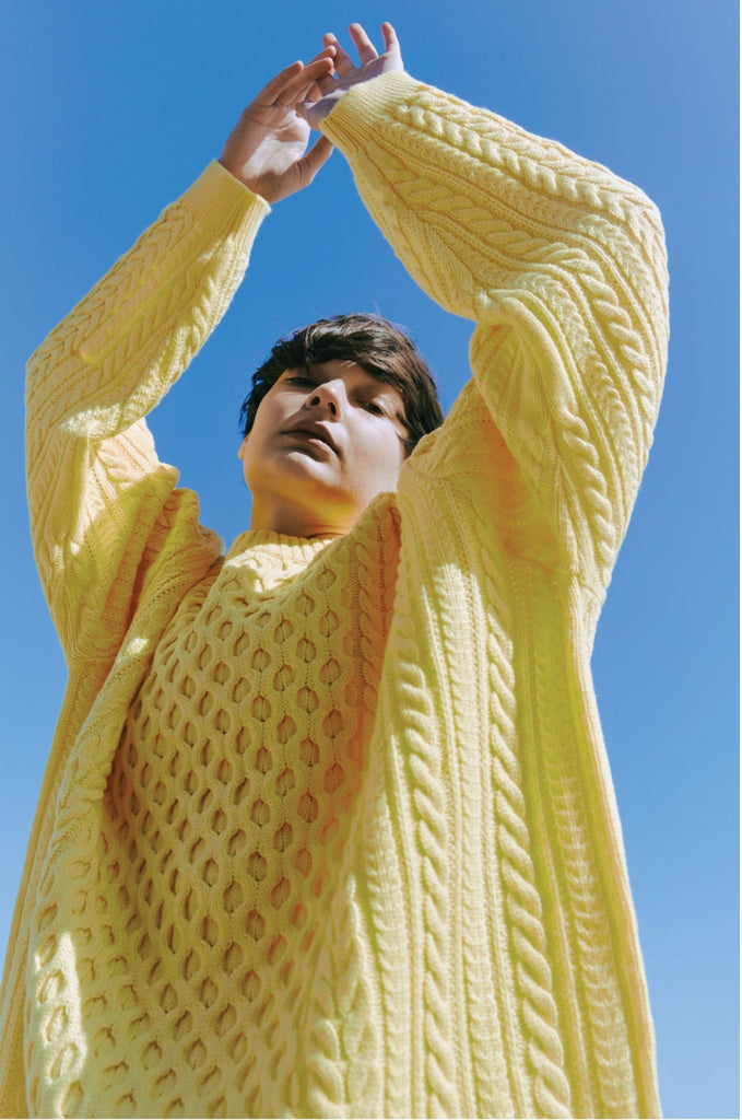 ORDINARY PEOPLE(オーディナリーピープル) OVERTWIST PATTERN YELLOW SWEATER