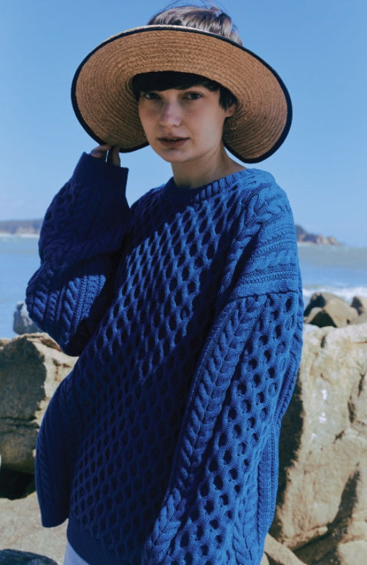 ORDINARY PEOPLE(オーディナリーピープル) OVERTWIST PATTERN BLUE SWEATER