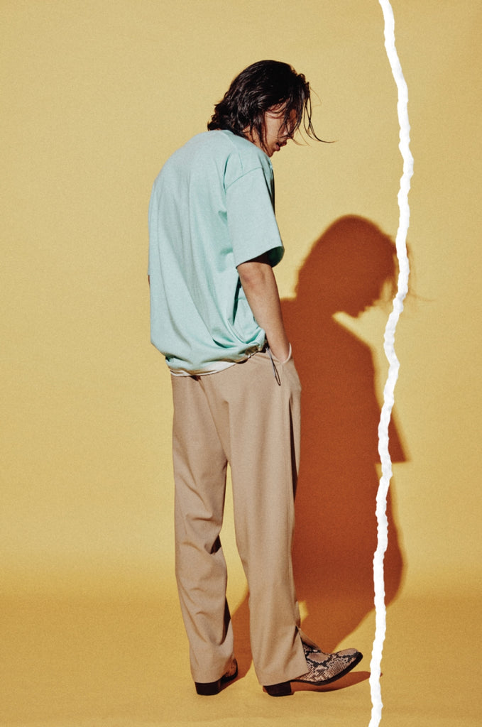 ORDINARY PEOPLE(オーディナリーピープル)    V-CUTTING DETAIL STRING LAYERED MINT T-SHIRTS