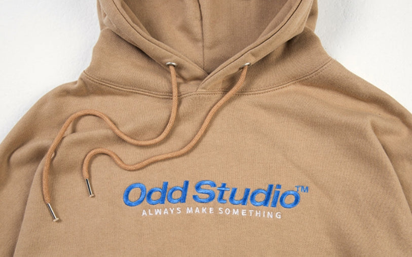 Odd Studio (オッドスタジオ) ODD STUDIO STANDARD LOGO LOOSE FIT HOOD SHIRT - BROWN