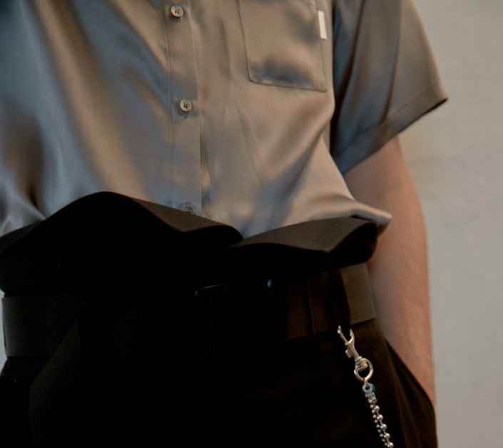 レイブレス(LABELESS)    SHORT SLEEVE UNBALANCE CUT SILK SHIRT