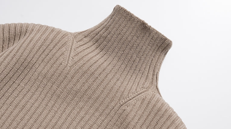 ダブルユーブイプロジェクト(WV PROJECT)  Peanut Butter Turtleneck Knit Beige CJKN7434
