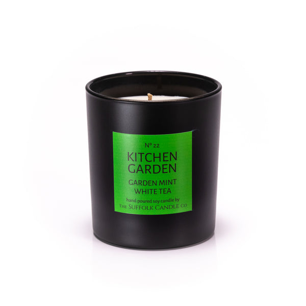 KITCHEN GARDEN - Garden Mint and White Tea - handmade soy candle - 200g - black glass