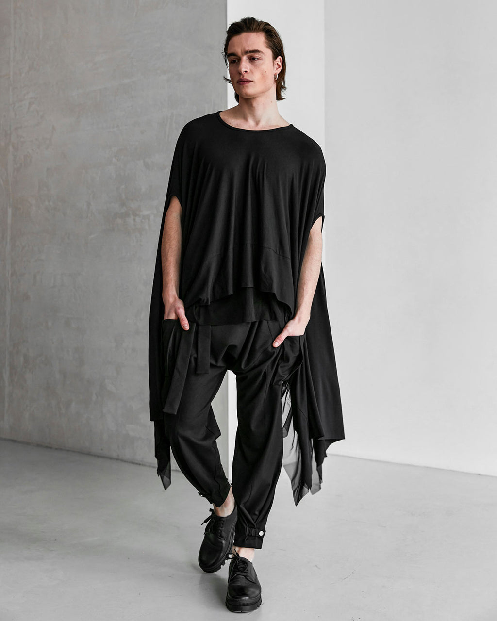 Essential Poncho - Black