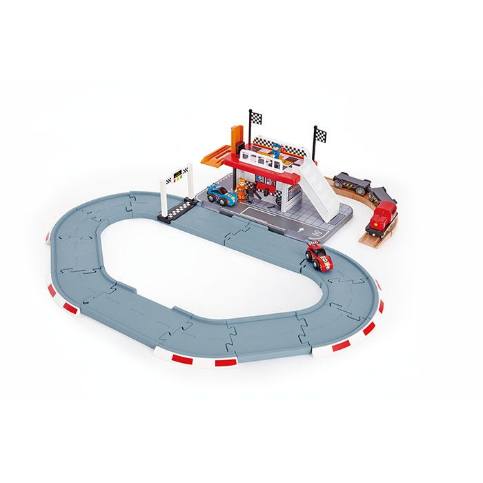 Hape Race Track Station 31 Pieces