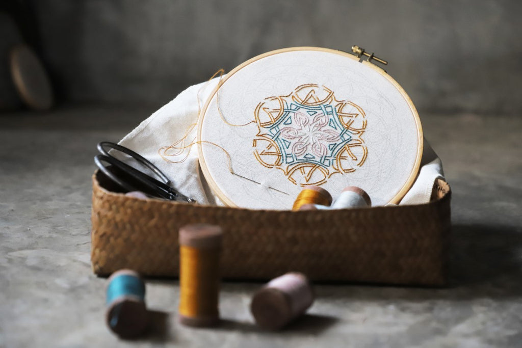 Numero 74 Creative Embroidery Hoop Kit - Mandala Nature