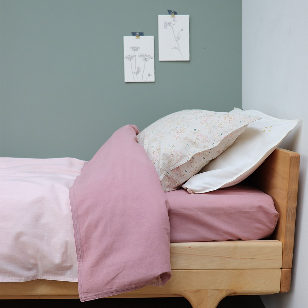 Camomile London Organic Cotton Fitted Sheet – King Single Blush
