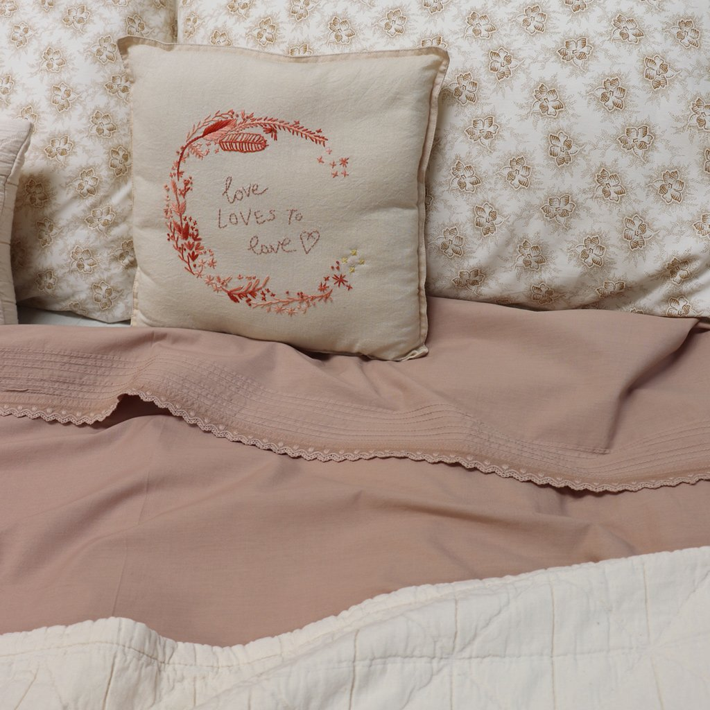 Camomile London Kids Bedding Pin Tuck Embroidered Quilt Cover - Clay Pink