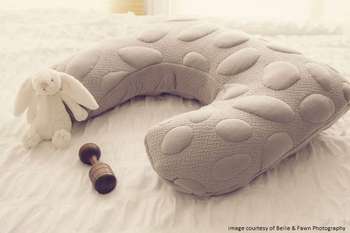 Nook Sleep Niche Feeding Pillow