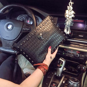 Gwyn Womens Skull Clutch