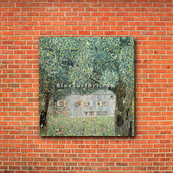Farmhouse in Upper Austria - red bricks wall