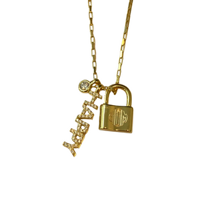 HAPPY MOM LOCK CHARM NECKLACE