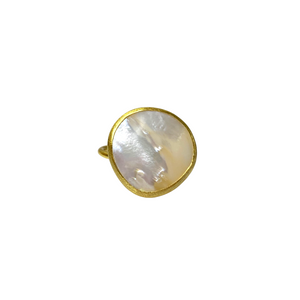 MOTHER OF PEARL COCKTAIL RING