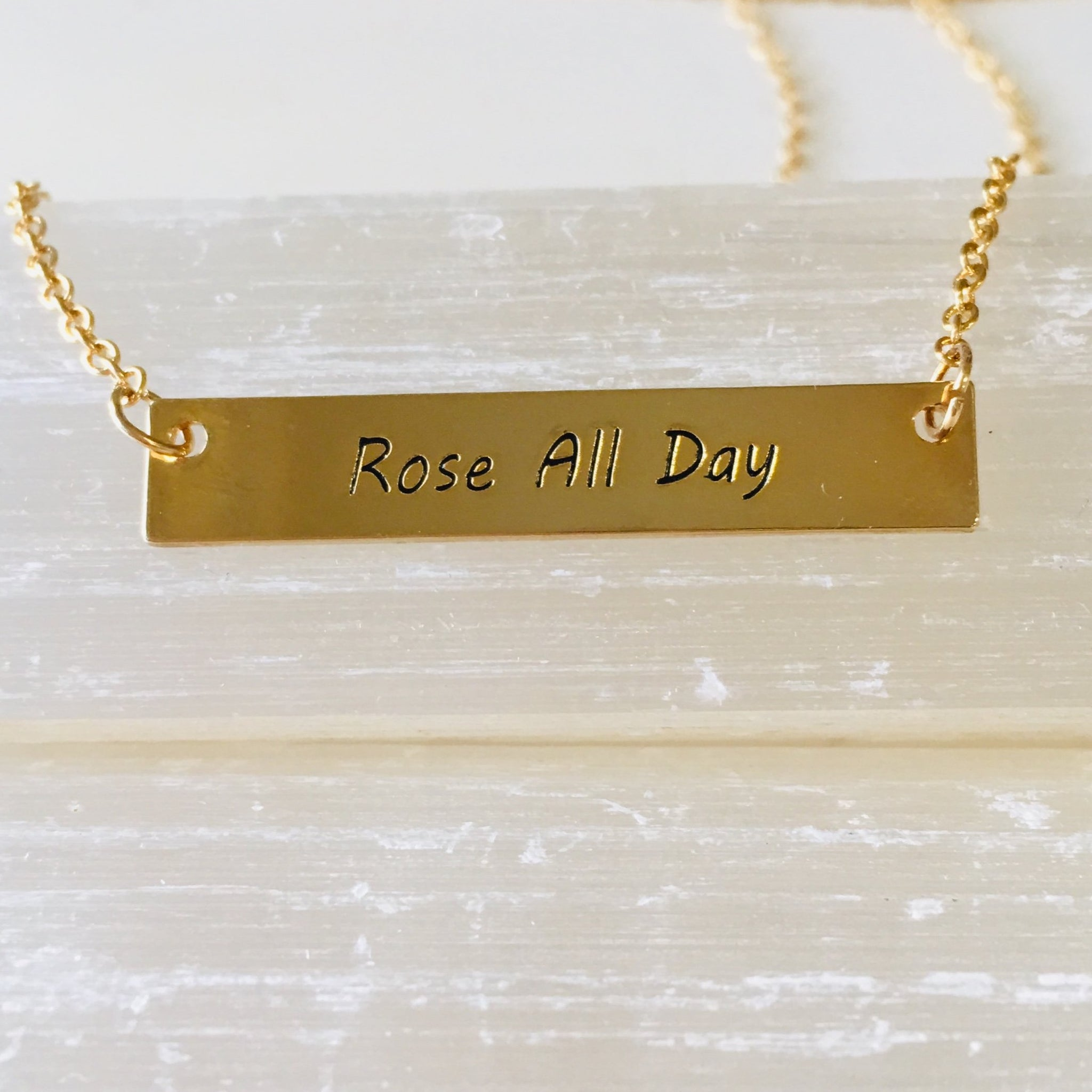 ROSE ALL DAY BAR NECKLACE