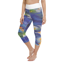 Load image into Gallery viewer, Blue Abstract Yoga Capri Leggings