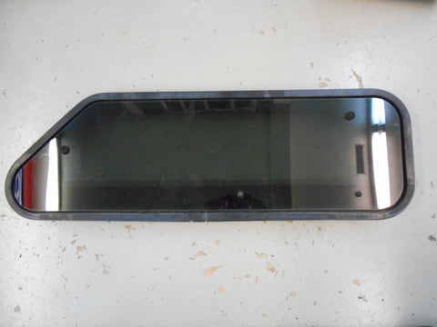 KENWORTH UPPER BUNK WINDOW - U40-1002