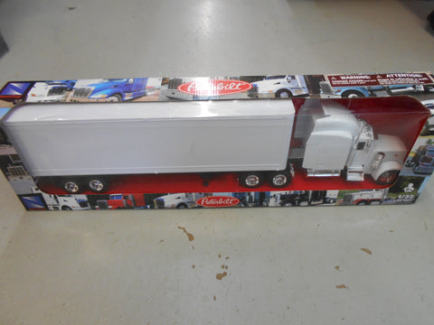 1/32 WHITE PETERBILT  TRUCK/TRAILER