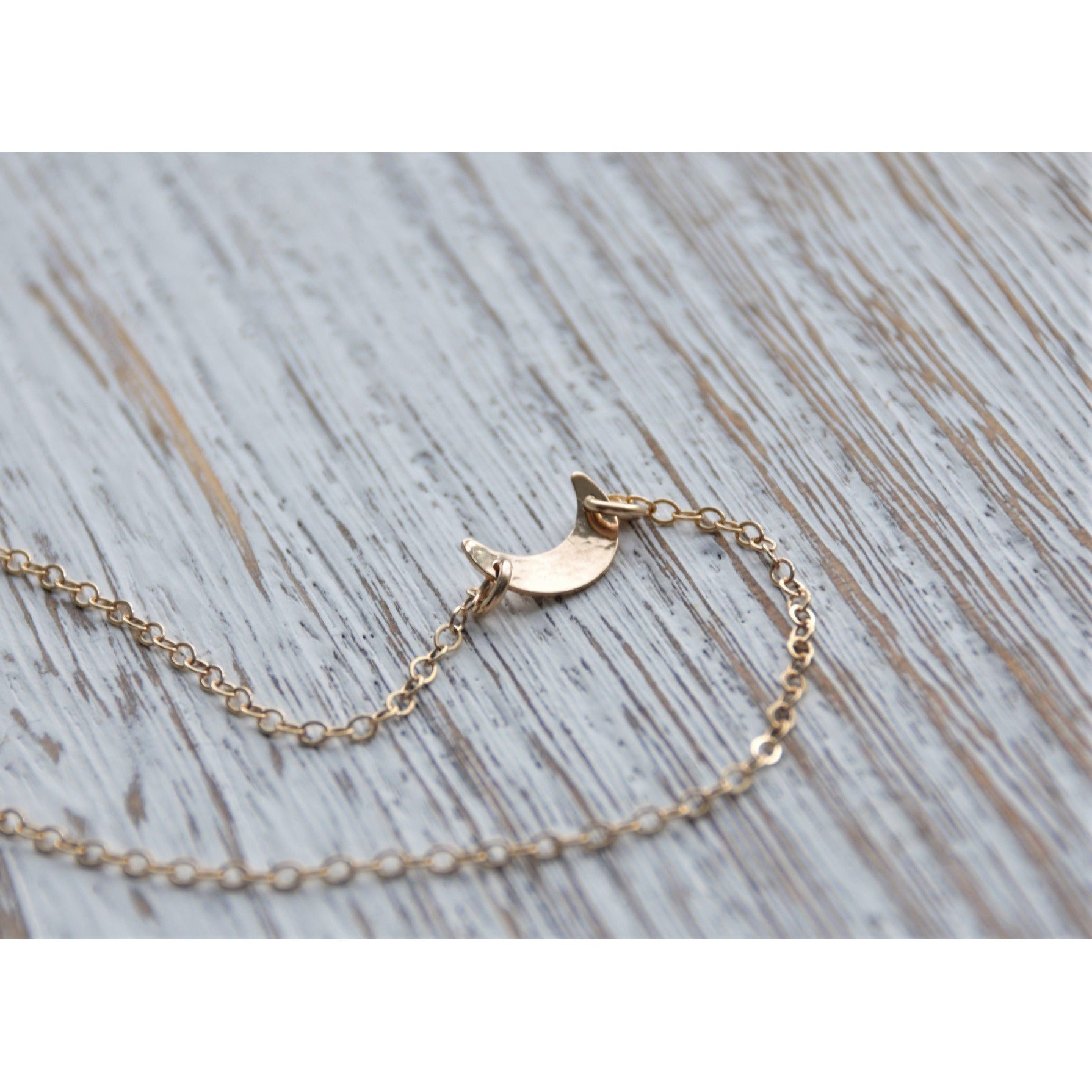 HANA CRESCENT NECKLACE