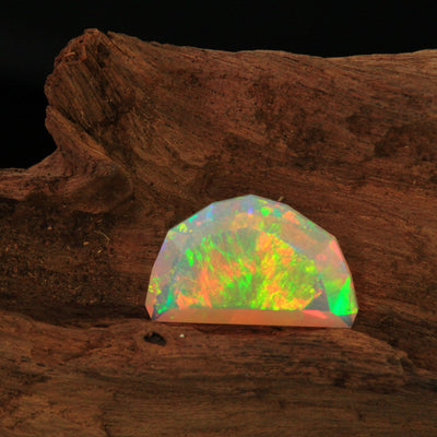 faceted shield opal Welo Ethiopia red flashes