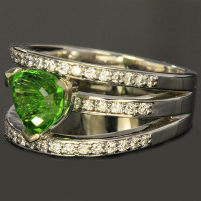 14K White Gold Chrome Tourmaline Ring 1.87 Carat Side View