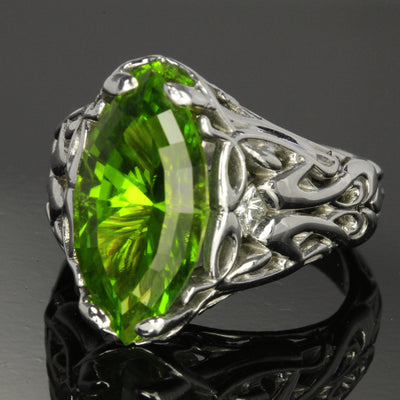 Pakistan peridot ring