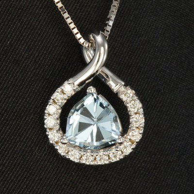 Aquamarine Pendant With Ideal Cut Diamonds