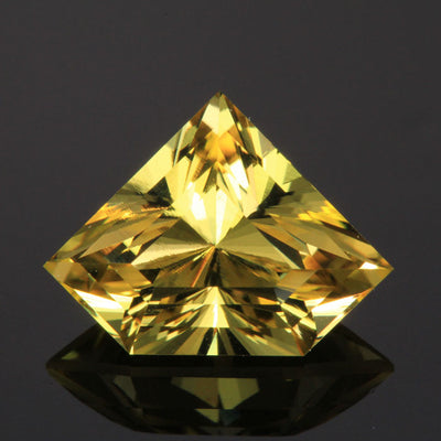 Golden Yellow Shield Beryl Gemstone 5.70 Carats