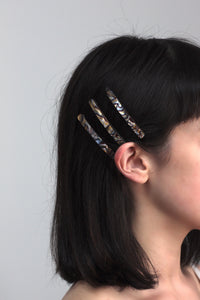 Black Oyster Hair Slides