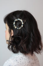 Load image into Gallery viewer, Light Tortoiseshell Round Hair Clip