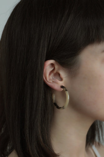 Medium Light Tortoiseshell Earrings