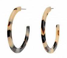 Load image into Gallery viewer, Medium Light Tortoiseshell Earrings