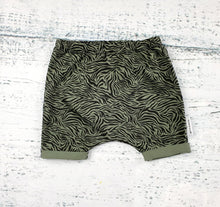 Load image into Gallery viewer, Tiger Stripe Shorts