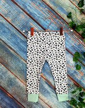 Load image into Gallery viewer, Pastel Leopard Leggings