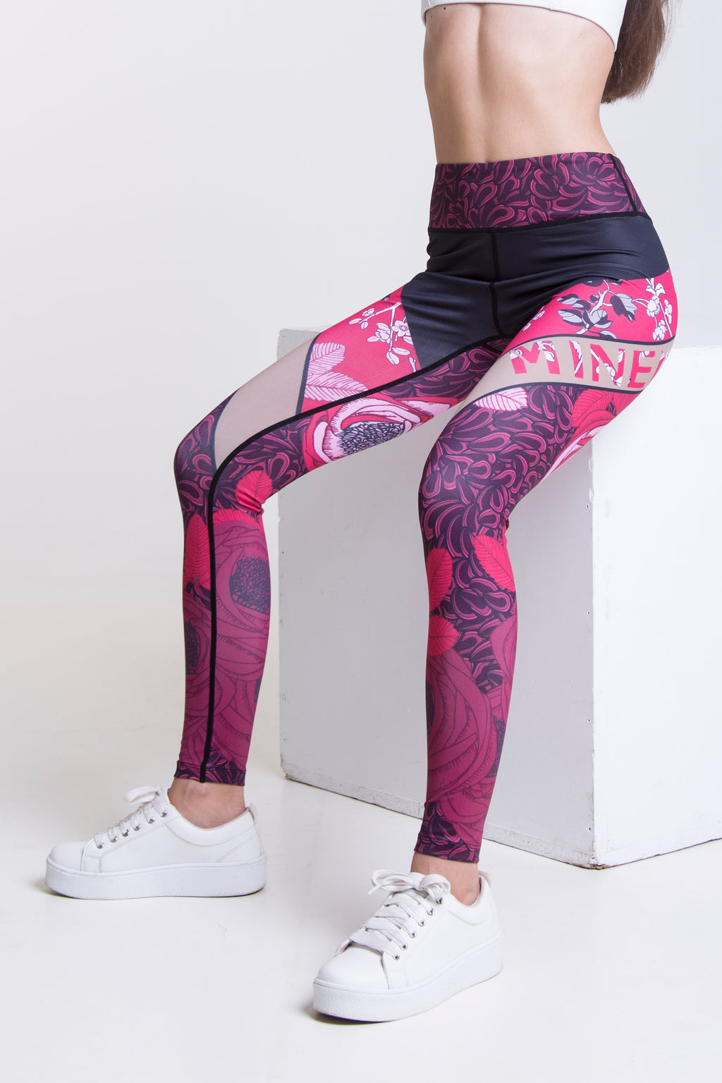 LYNNE Leggings női