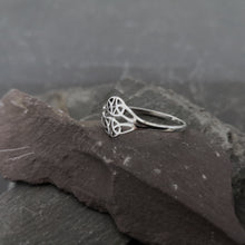 Load image into Gallery viewer, Filigree Celtic Ring
