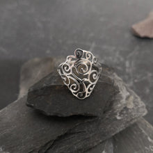 Load image into Gallery viewer, Filigree Diamond Ring