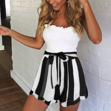 Load image into Gallery viewer, Women's Loose Pleated Shorts High Elastic Waist Striped Shorts