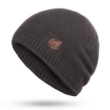 Load image into Gallery viewer, Men's Solid Color Beanie Hat 5 Different Colors
