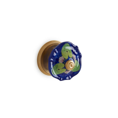 1097DOR-109W-WH-GP Sherle Wagner International Scalloped Ceramic Door Knob in Gold Plate metal finish with Waterlilies on White Glaze inserts