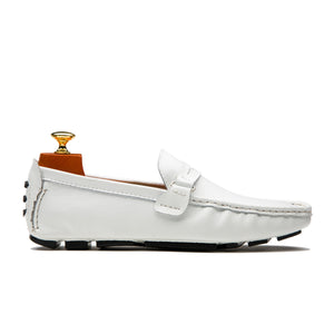 Fashionable Slip On Round Toe Calfskin Leather Shoes Loafers White